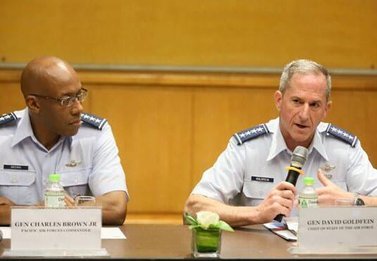 Hai Đại Tướng đến Hà Nội, Mỹ giúp Việt Nam bảo vệ bãi Tư Chính?